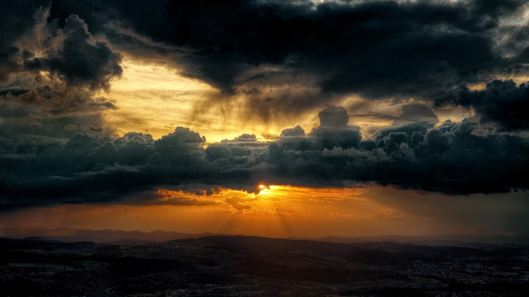 dark_clouds_sky_sun-1920x1080