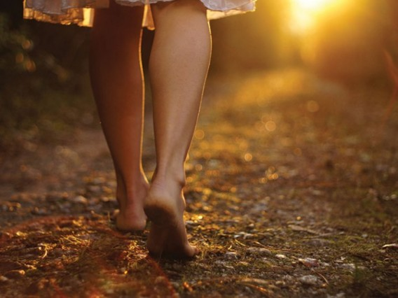 june-coming-sun-feet_927465611-690x518